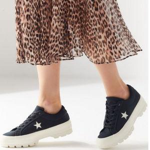 CONVERSE One Star Lugged Sneaker - Size 9.5 NIB